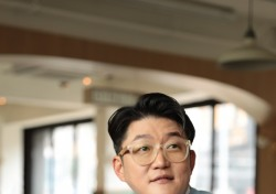 [인터;뷰] 김현철, 13년 만의 컴백부터 데뷔 30주년까지…'천재 뮤지션'의 소회