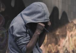"""[기획; '스타들의 마약'②] """"연예인은 억울하다?""""…'마약 공화국' 오명 쓴 현 사회"""