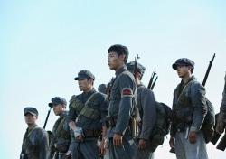 [씨네;리뷰] '봉오동 전투' 투박하지만, 뚝심 있게 밀어붙인 진심
