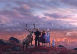 [씨네;리뷰] '겨울왕국2' 커진 스케일·깊어진 메시지, 유의미한 결과에도 반감된 재미