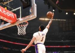 [NBA] LA 레이커스 4연패 후 5연승, 데이비스 블록슛과 제임스 어시스트
