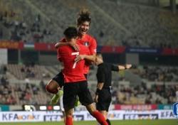 한국·중국 축구, 도쿄로 향하는 첫 관문…죽음의 조에서 우위 점할까