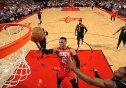 [NBA] '높이를 포기한 농구' 휴스턴, 흔들리는 스몰라인업