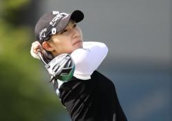 김민선5, 용평리조트오픈 둘째날 한 타 선두