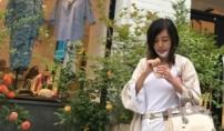 58세 황신혜? …세월 거스른 패션감각·몸매