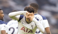 손흥민 시즌 10호골…EPL 득점 선두