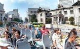 Conquering Seoul landmarks with hop-on/off tour buses