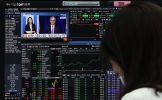 Market drops over US Fed's rate hike plan, but officials say Seoul safe from volatility