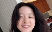 """이영애, 근황 공개… """"파마하러 왔..."""