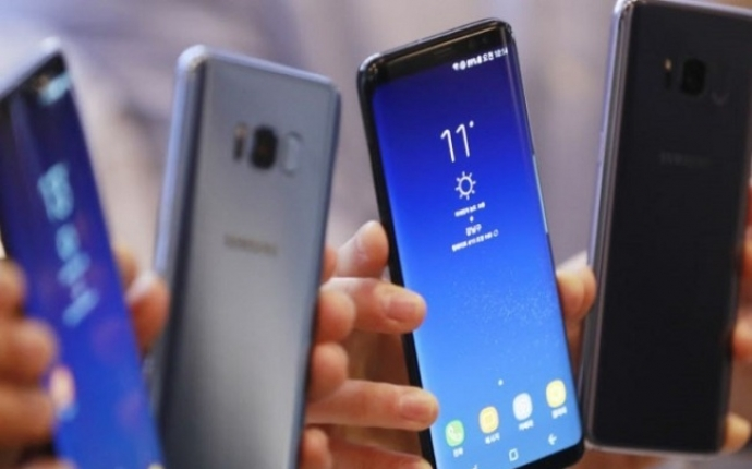 [EXCLUSIVE] Samsung close to completing AI chips for servers, mobile phones