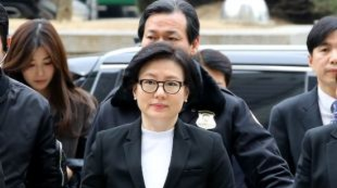 서미경 '수행' 미모의 여성, 누구?