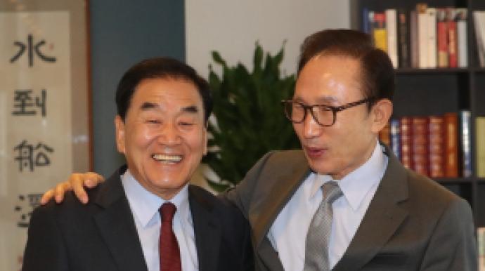 """이명박 또 유체이탈화법 논란 """"한국의 보..."""