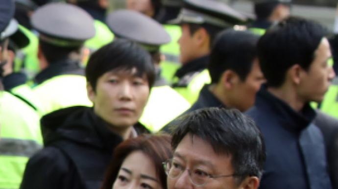 박지만妻 서향희, 강부영 판사부부와 묘한...
