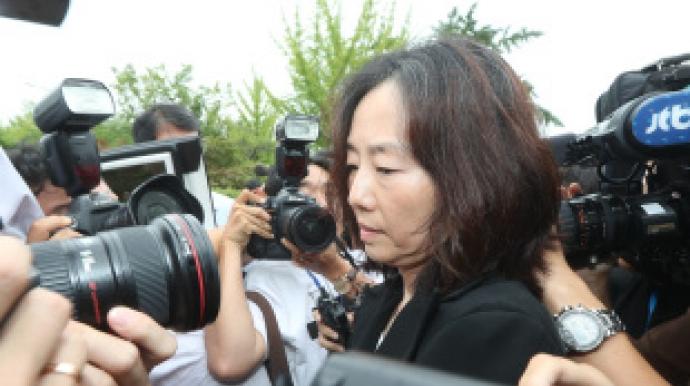 '블랙리스트' 조윤선 석방에 여론 들끓...