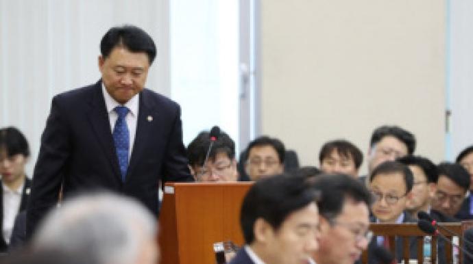 朴 탄핵후  버티던 이철성 경찰청장, 결국...