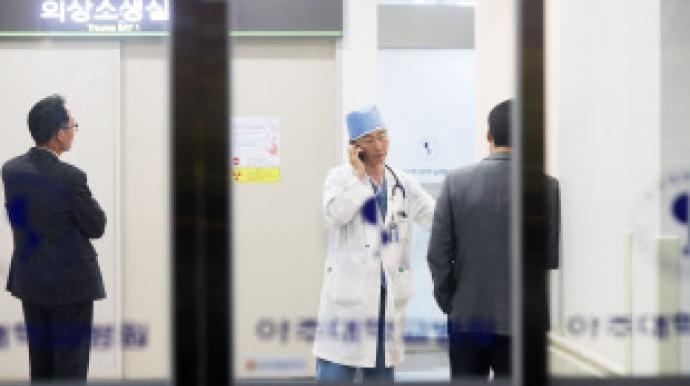 이국종 교수 해냈다...북한 귀순병사 의식...