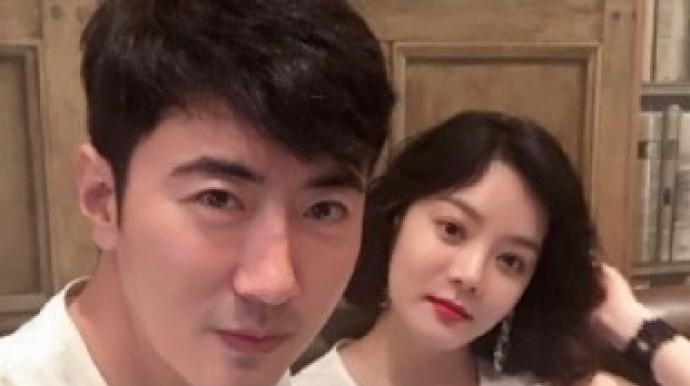"""채림·가오쯔치 부부 부모됐다…""""잘생긴..."""