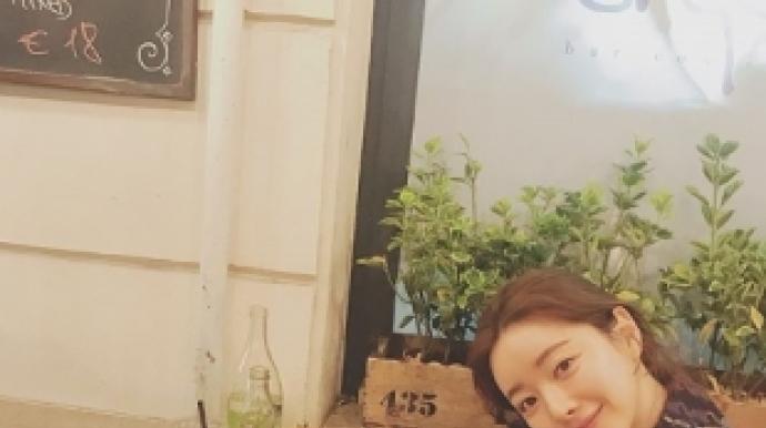 """홍수아 성형이유는 '가족'…""""신분증 사..."""