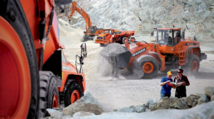 Doosan Infracore loses drag-along suit against PEFs