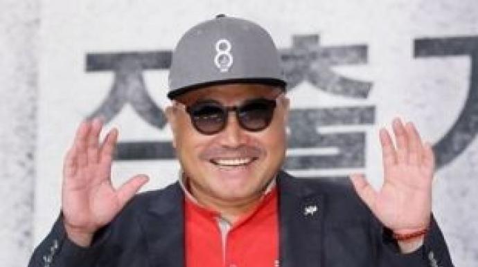 김흥국, 피해 주장女 선물한 초상화 공개...