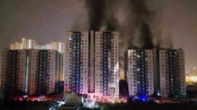 베트남 화재, 20층 아파트 불길 활활…40...