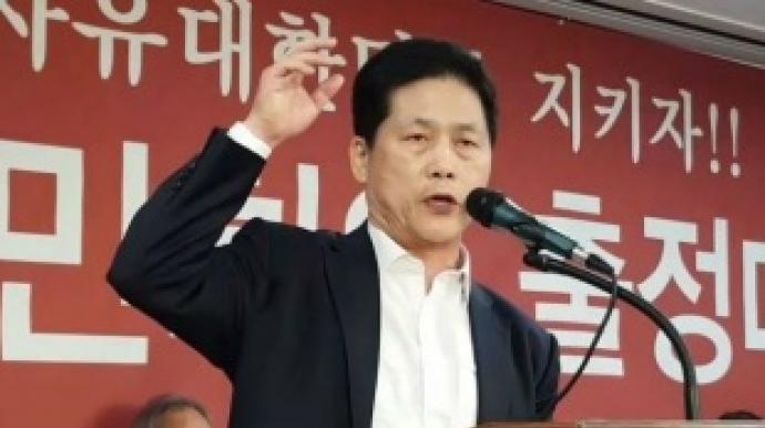 """김진 """"文대통령 시체 묻힐 때 16만 영혼..."""