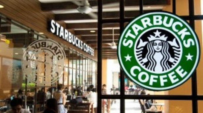 Samsung, LG compete to install air purifiers at Starbucks outlets