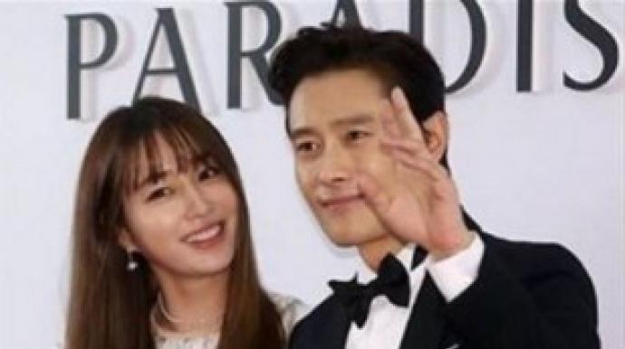 이병헌·이민정, 아들 최초 공개…또렷한...