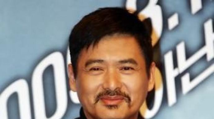 """주윤발 """"한달 11만원으로 생활…전재산 ..."""
