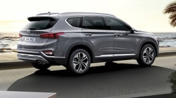 Hyundai showcases Santa Fe SUV with fingerprint access in China