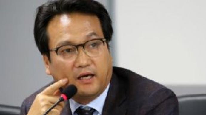 """안민석 """"조국 사퇴 요구, 국정농단 부역..."""