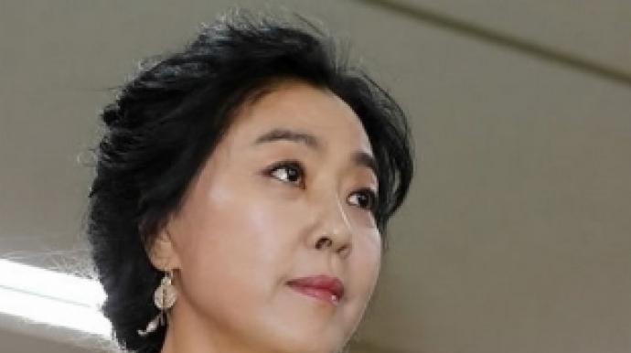 """김부선, 윤지오 기사 공유하면서 """"민주당..."""