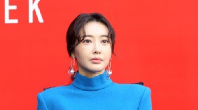 '9월 결혼' 왕지혜는 누구?…배용준·박...