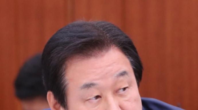 """'檢 비판' 이해찬 때리는 김무성 """"입 다물..."""