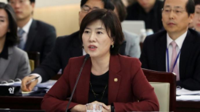 윤지오 숙박비 지원 '익명기부자'는 김희...