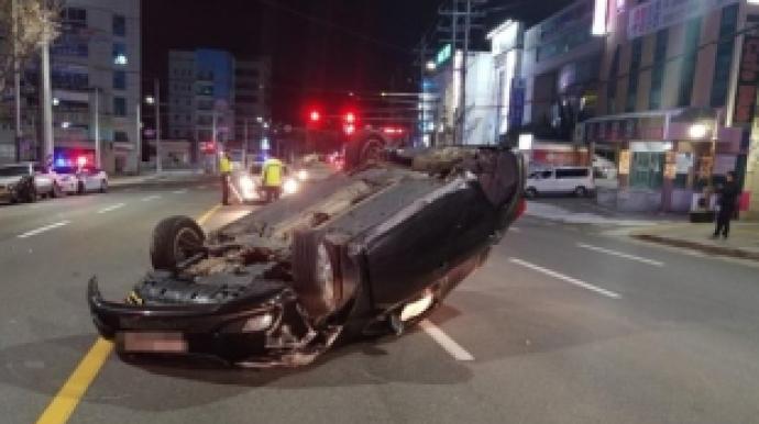 신호 위반 차량에 받혔는데 피해운전자도...