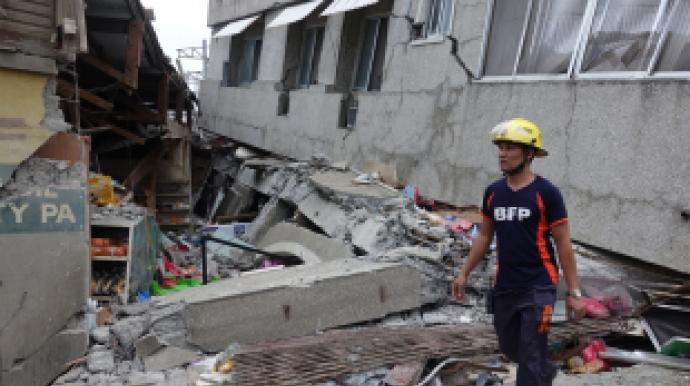 필리핀 규모 6.8 지진…최소 4명 사망·수...