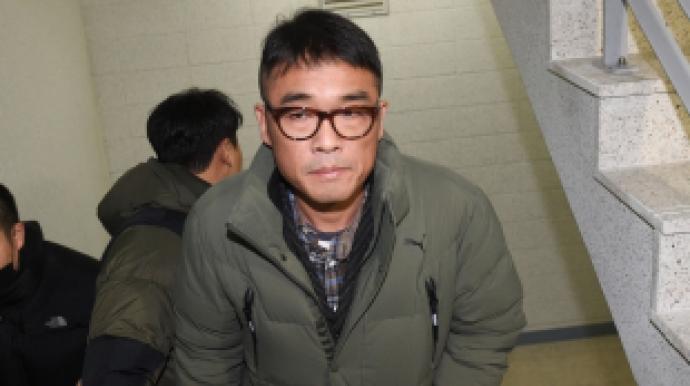 """경찰 """"김건모, 성폭행 혐의 수사 마무리..."""