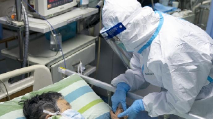 中 의료진, '우한 폐렴'으로 첫 사망