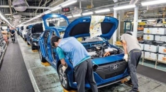 Hyundai, Kia suspend some production lines amid coronavirus-triggered crunch