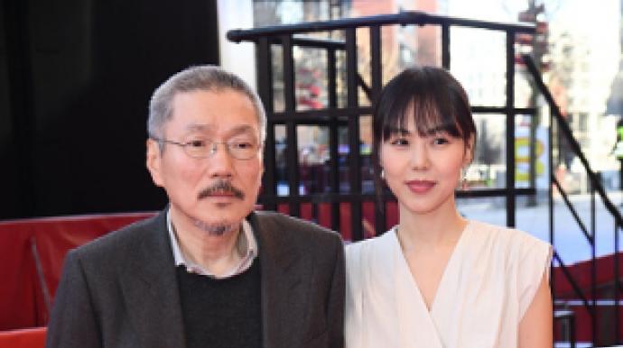 홍상수·김민희, 커플링 끼고 3년만에 공...