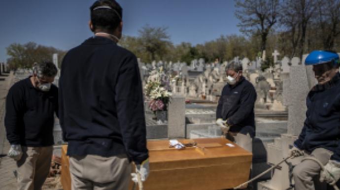 스페인, 코로나19 사망자 어쩌나…하루만...