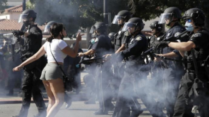 흑인 죽여 美 전역 분노케 한 경찰관 이혼...