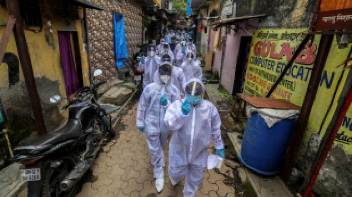 인도, 하루에 2만4천명 신규확진… 사흘 ...