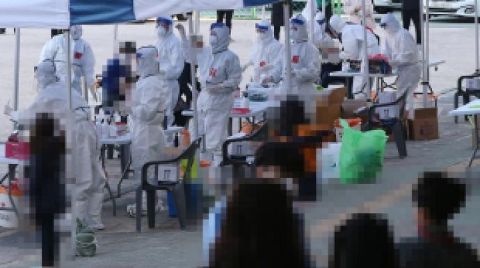 """""""실제 감염은 지금의 3~4배…전국적인 대..."""