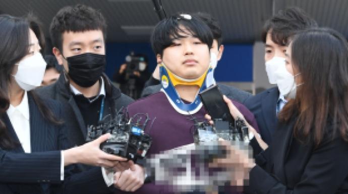 '박사방' 조주빈, 1심 징역 40년 판결 ...