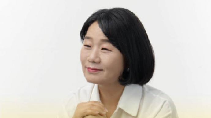 """윤미향, 세월호로 프로필 사진 교체… """"..."""