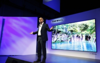Samsung joins hands with China's Sanan for micro LED TV