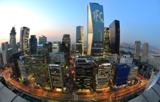 Moody's warns S. Korean firms of excessive investments, M&As