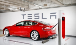 Tesla opens first supercharger station in Seoul